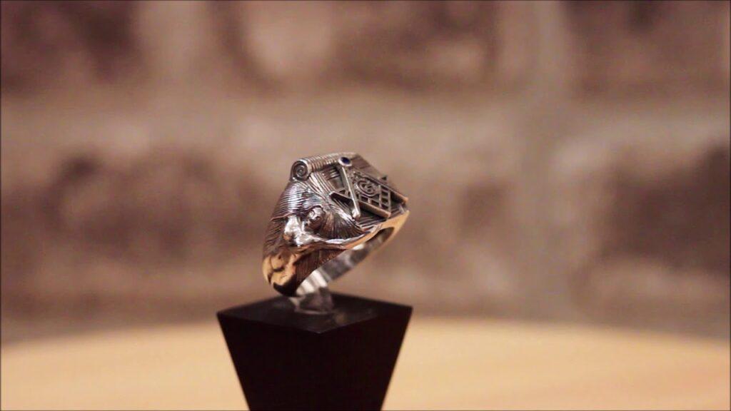 Freemason Masonic Ring Square and Compass Blue Lodge – Vintage Silver, Sapphire gemstone